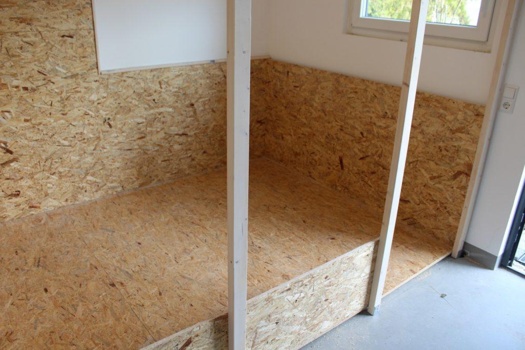 Holzplatten als Wandverkleidung